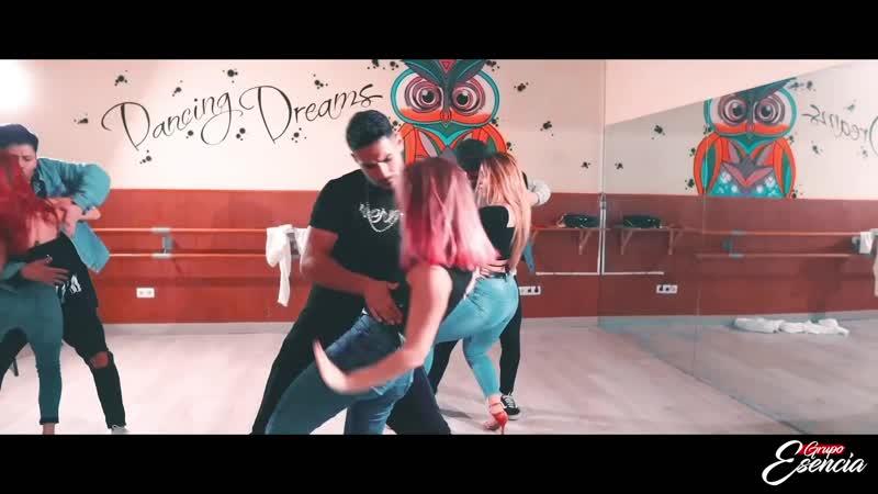 El vicio del pecado el torito ft ken Grupo Esencia Tercera Edicion bailando esta bachata fusion
