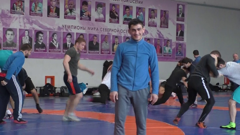 Казбек Магомедович Дедегкаев проводит тренировку в Труде