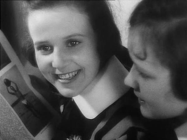 Mädchen in Uniform 1931 Leontine Sagan movie