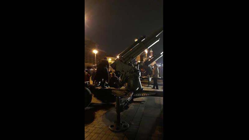 Праздничный салют озарил небо над Петербургом в честь 76 летия снятия блокады