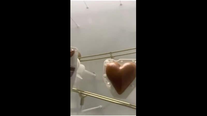Шоколадный автомат в Швейцарии Торговый автомат Шоколад Швейцария Механизм Машина Голдберга Необычное Сложно Вертикально