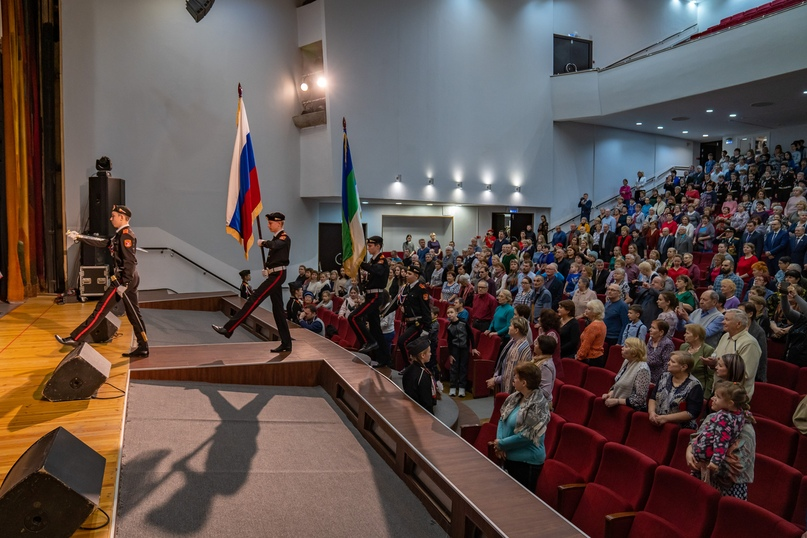 Защитникам: в Ухте прошёл праздничный концерт, изображение №5