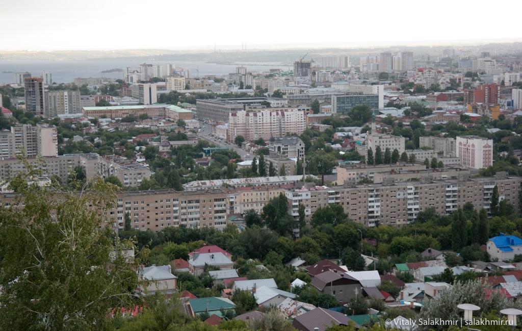 Вид на Волгу с Соколовой горы, Саратов 2020