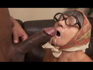 Порно -- ей 67  - к старости не понимаешь как трахаться -- gilf porn granny <><><><><<>