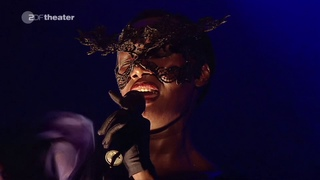 Grace Jones /// La Vie en Rose /// Live AVO Session Basel 2009 /// AI HD Upscale interpretation
