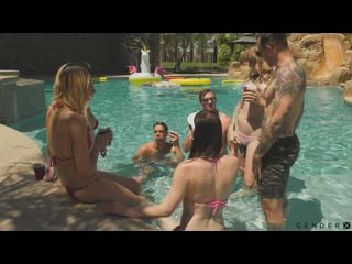Trans Pool Party (Natalie Mars, Lena Kelly, Casey K, Janelle Fennec) [2018 г., Transsexuals, Shemale, Hardcore, Anal, Bareback]