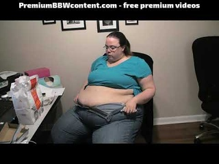 Mcdonalds Belly Stuffing. Very Gassy