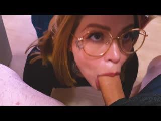 Maru Karv - Возбужденный подросток отсасывает петушок и заглатывает сперму