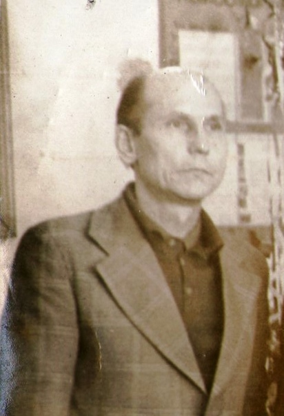 Каметов Иван Яникеевич, учитель математики. 1980 год.