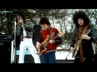 Queen - Spread Your Wings (Official Video)