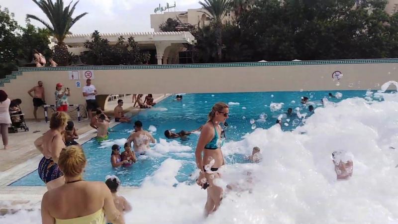 NOVOSTAR Nahrawess Hotel Hammamet Tunisia foam party MOUSSE PARTY