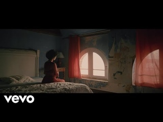 Barbara Pravi - Le jour se lève (Clip Officiel)
