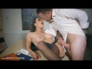 [HD 1080] Mea Melone - Under The Table Deal (2016)