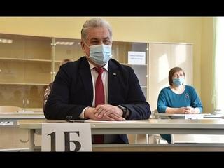 Уральский министр сдал ЕГЭ по русскому языку