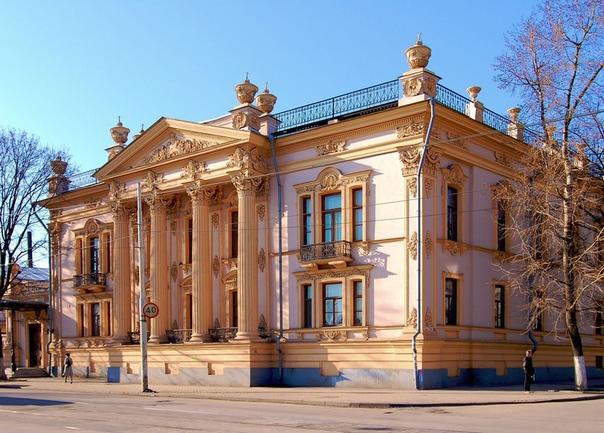 Тот случай, когда здание в провинции строилось именитым столичным архитектором Дворец Николая Алфераки, помещика, городского головы Таганрога считается одним из лучших зданий города. Возводился
