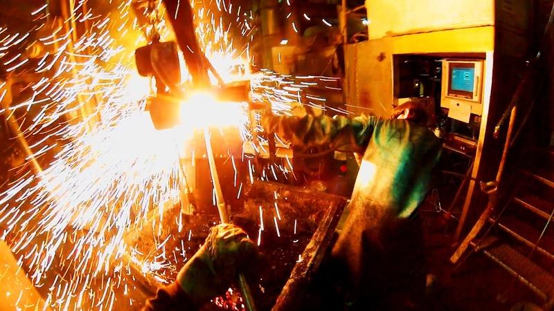 Eisen gießen mit unserm Kupolofen