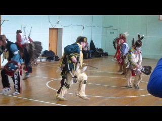 Pow-wow, moscow, 2012. mens traditional. sneak-up.