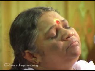 Amma singing lokah samastha sukhino bhavanthu