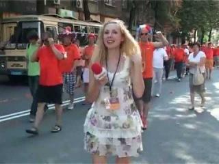 Украинская журналистка и голландцы))))