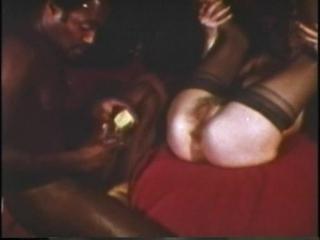 Black knights of the brown hole [черные рыцари коричневой дырочки] (1970)