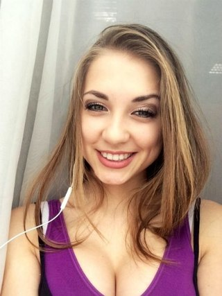 Голая Анна Глазова