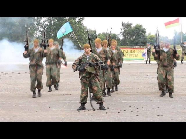 День ВДВ. Видео с показных выступлений десантников.
