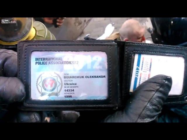Ukraine la police de Kiev a arreté un agent de l'IPA qu'ils croyaient être un mannifestant 20 02