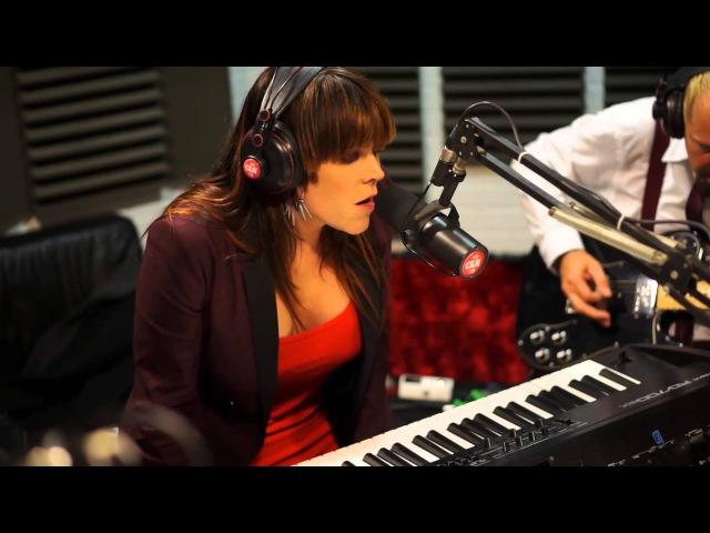Beth Hart Led Zeppelin Cover Session Acoustique OÜI FM