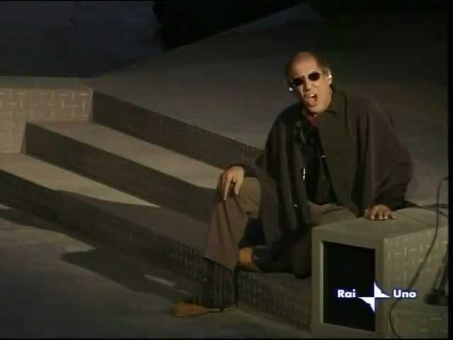 Adriano Celentano in Mari Marì dal vivo orchestra diretta da Celso Valli