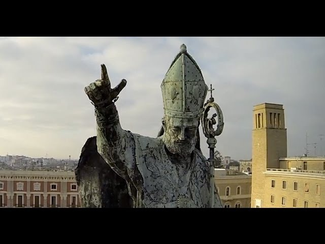 Città di Lecce Riprese aeree su chiese e monumenti effettuate con un drone multirotore