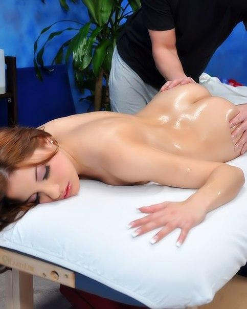 Kinky Massages Nude Woman