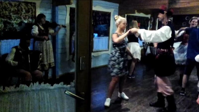 Халтурка в ресторані Halit ансамб народ танцю KRAKUSY Польша м Wieliczka