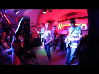 One Missed May - Get out, honey (Live in Metro: )