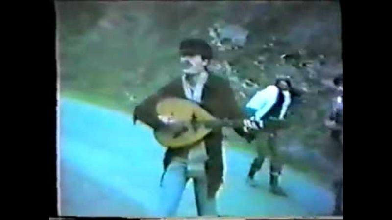Matoub Lounes Avec ses Amis En 1982