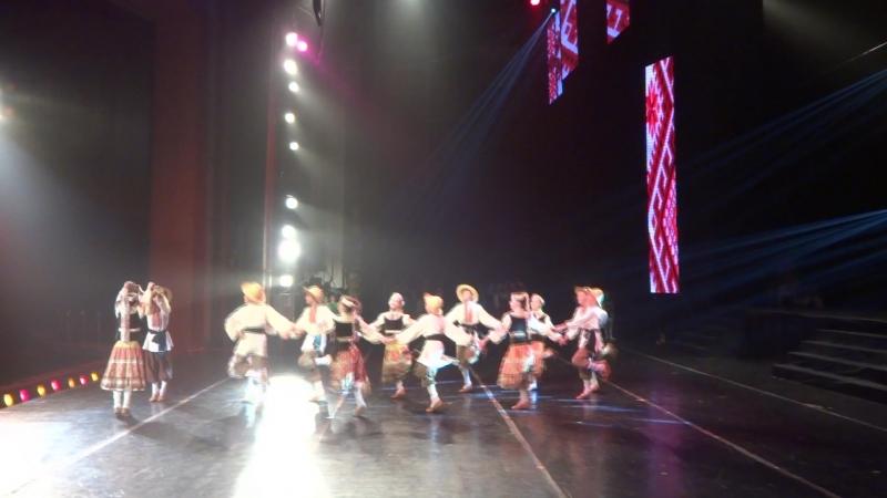 Личаки- виступ у Дніпровському оперному театрі