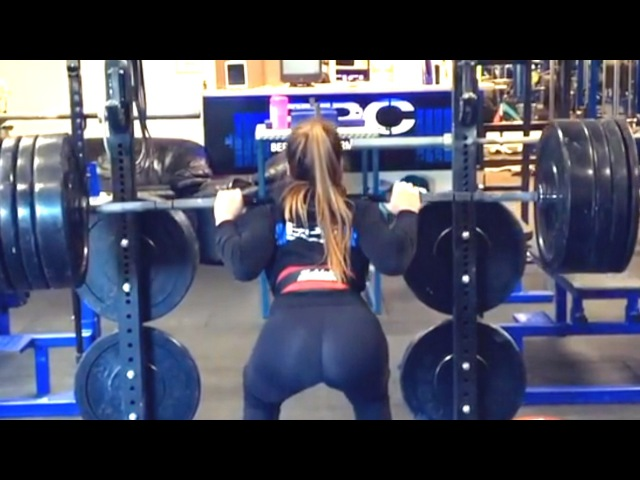She Squats More Than You Bro Awesome Suzanne Svanevik