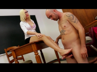 Kimberly Moss - Goddess Kimberly Moss - In time for class - footjob 720p - preview