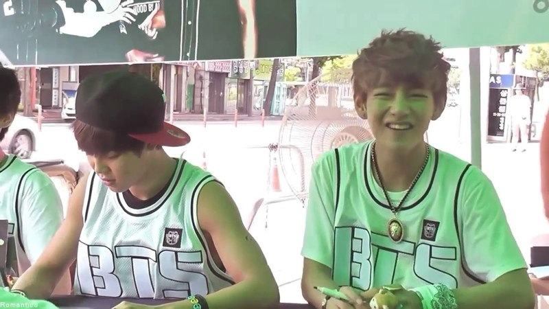 BTS 방탄소년단 Taehyung molestando a Jimin fansign funny moment