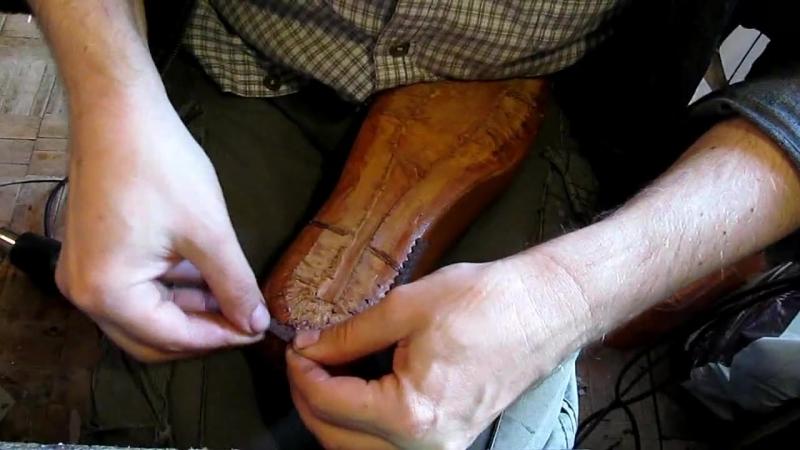 Егор Букраев Д 23. Приклеиваем рант. Обувь мужскую шьем сами.