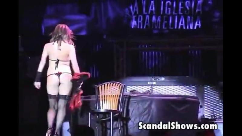 Brunette striper gets wild and naked - XVIDEOSCOM