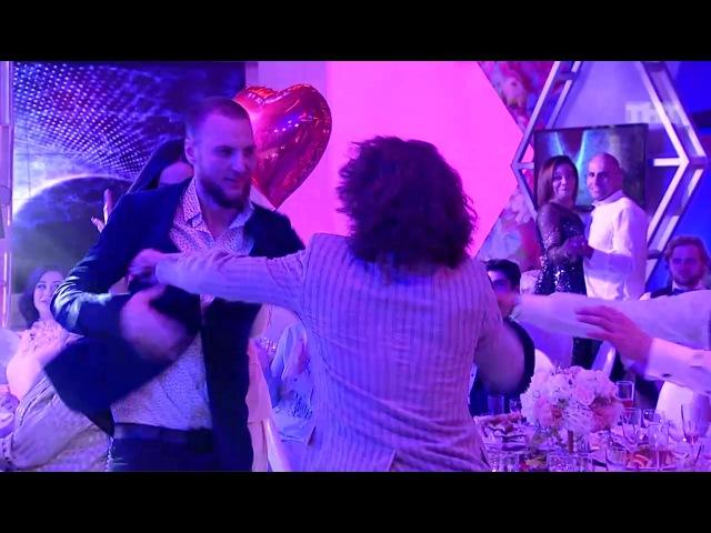 Дом-2: Конфликт на свадьбе Таты и Валеры из сериала Дом-2. Город любви смотреть бес » Freewka.com - Смотреть онлайн в хорощем качестве