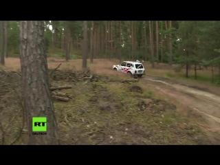 Russischer geländewagen feiert 40 geburtstag in deutschland by maria janssen