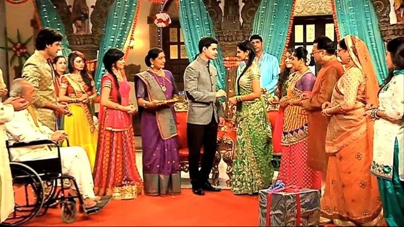 Saras And Kumud s Engagement Ceremony Saraswatichandra