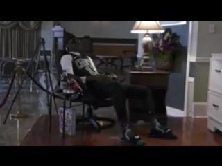 Труп подростка перед похоронами усадили в кресло и включили PS4 с NBA 2K.