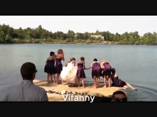 video lucu KEJADIAN YANG TAK TERDUGA yang terjadi di acara pernikahan ini akan membuat anda tertawa