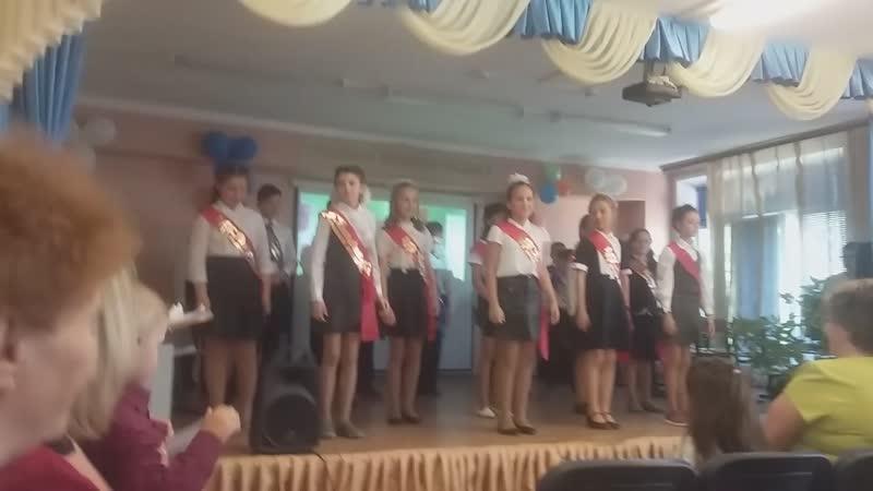 дочка Викуся выпускной