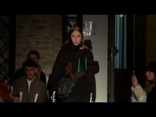 Valeria V. - Alexandra Moura - Runway Show FW 19/20 - Milano