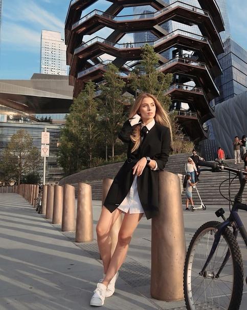 Внучка Софии Ротару улетела в Америку! Будет покорять там модельный бизнес.А ведь ей всего 18.