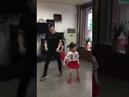 Папа зажигает с дочками танец под DMX – Party Up In Here