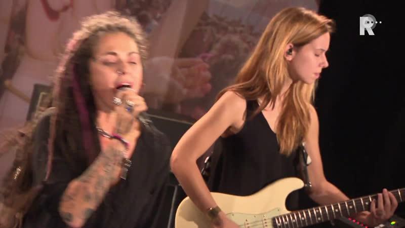 Dilana - Hangover (Live uit Lloyd)